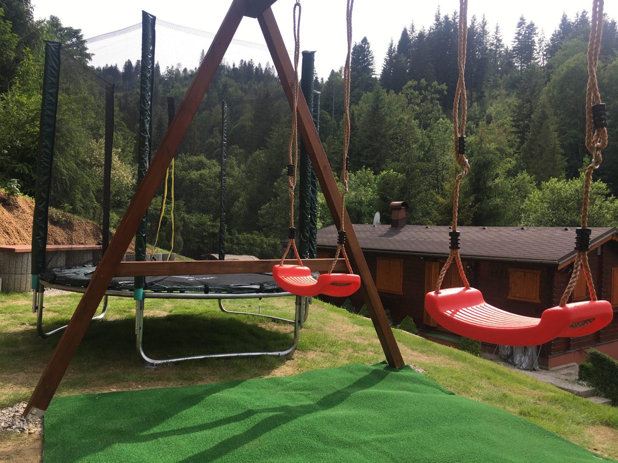 Ubytovanie Chaty Drevenice Oščadnica detské ihrisko
